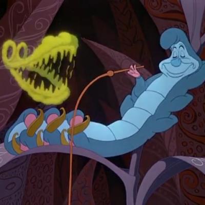 アニメで英語「楽しそうに笑って見えるワニ」